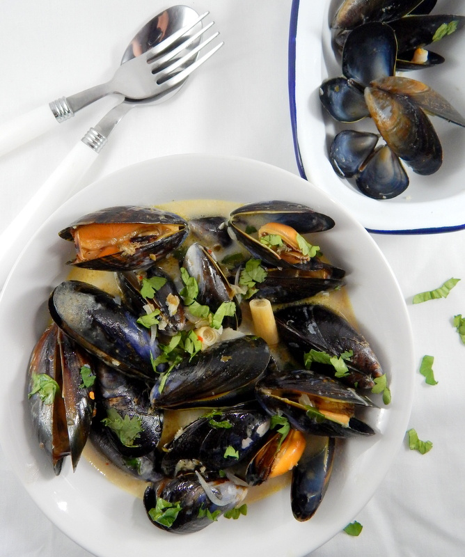 Messy Kitchen After Cooking: Coconut Curry Mussels